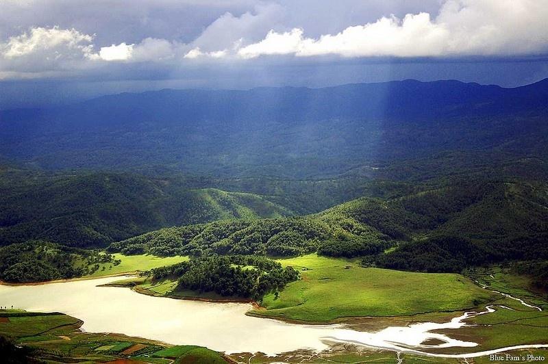 Xanh ngắt những đồi thông hồ Dankia - Suối Vàng