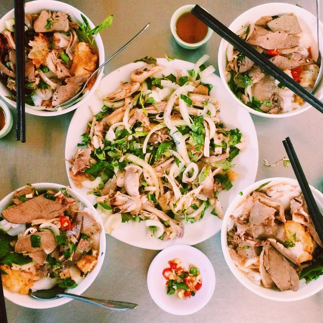 Bánh ướt lòng gà nổi tiếng Trương Công Định