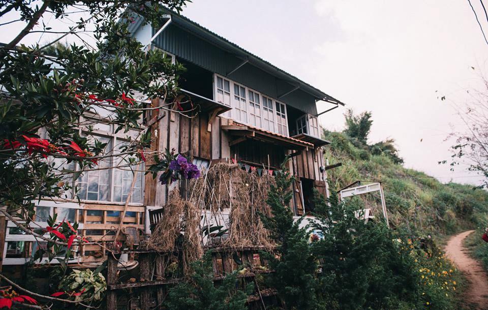 Căn nhà gỗ xinh xắn