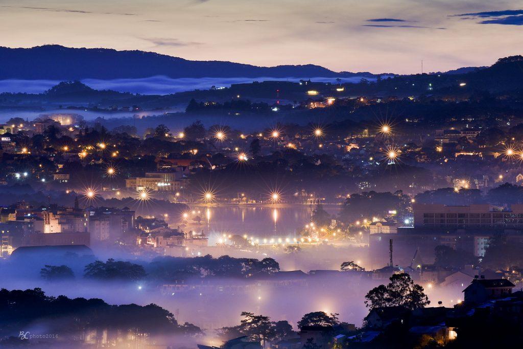 Thành phố Đà Lạt khi màn đêm buông xuống
