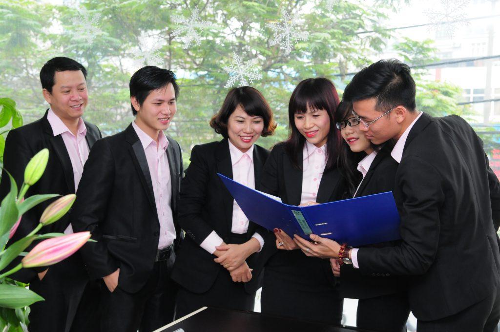 Đội ngũ nhân viên hỗ trợ kinh doanh