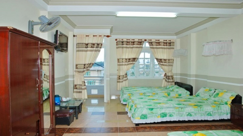 Nhà nghỉ Phụng Hồng Đà Lạt nằm ngay trên cung đường đẹp nhất Phạm Ngũ Lão.