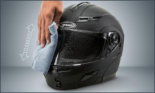 vì sao nên vệ sinh kính nón bảo hiểm